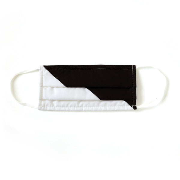 BLACK AND WHITE COLOR BLOCK MASK