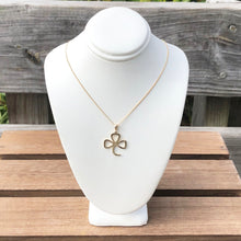 Load image into Gallery viewer, Shamrock Necklace