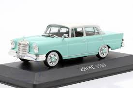 COLECCIONABLE MODELO A ESCALA MERCEDES BENZ 220SE 1959 - COLLECTIBLE SCALE MODEL MERCEDES BENZ 220SE 1959