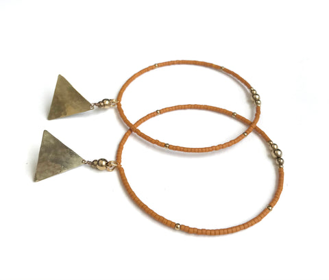 Medium size mini seed hoop earrings in Rust