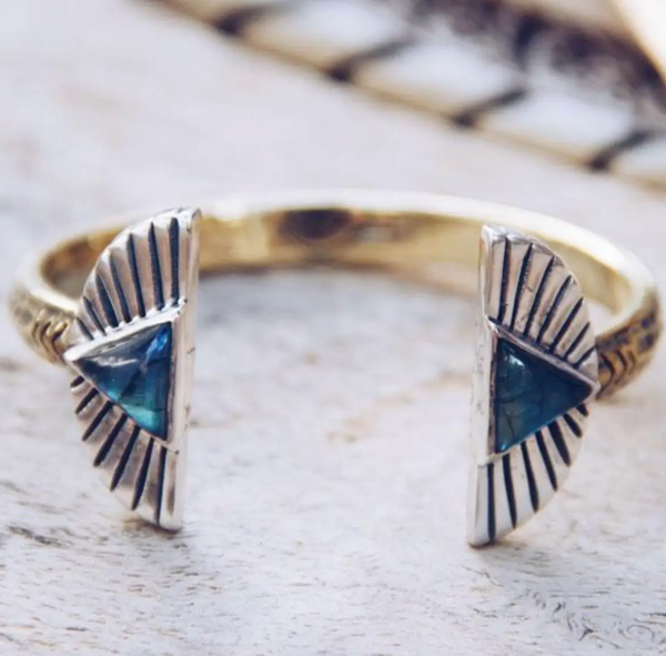 Shape Shift Labradorite Cuff