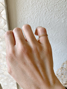 Twisted Toe Ring Gold