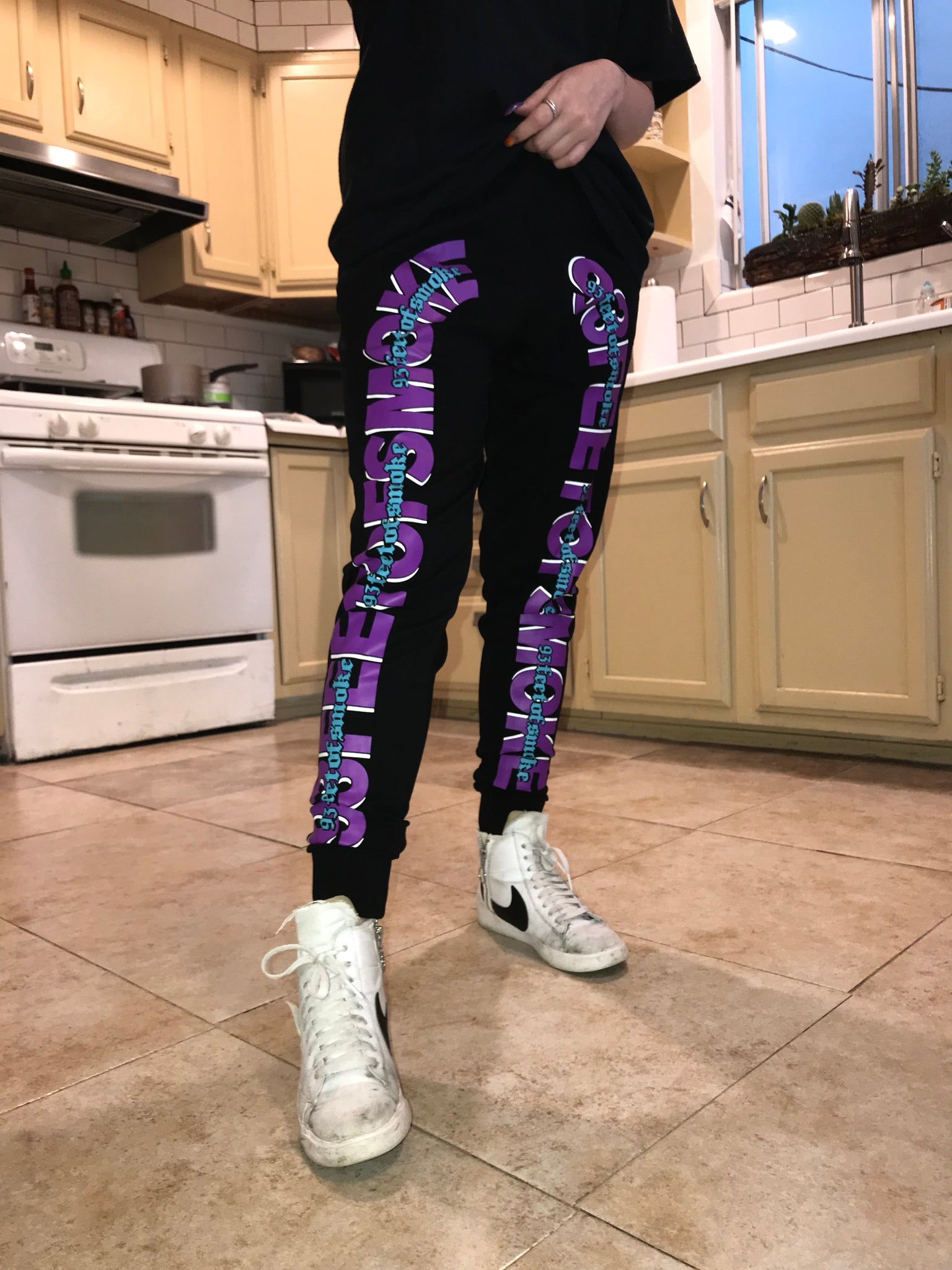 WILDBERRY JOGGERS