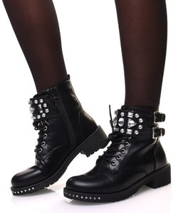 BOTTINES NOIRES À LACET ET DÉTAILS DIAMANTS