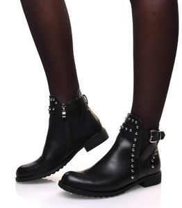 BOTTINES NOIRES AJOURÉS À CLOUS