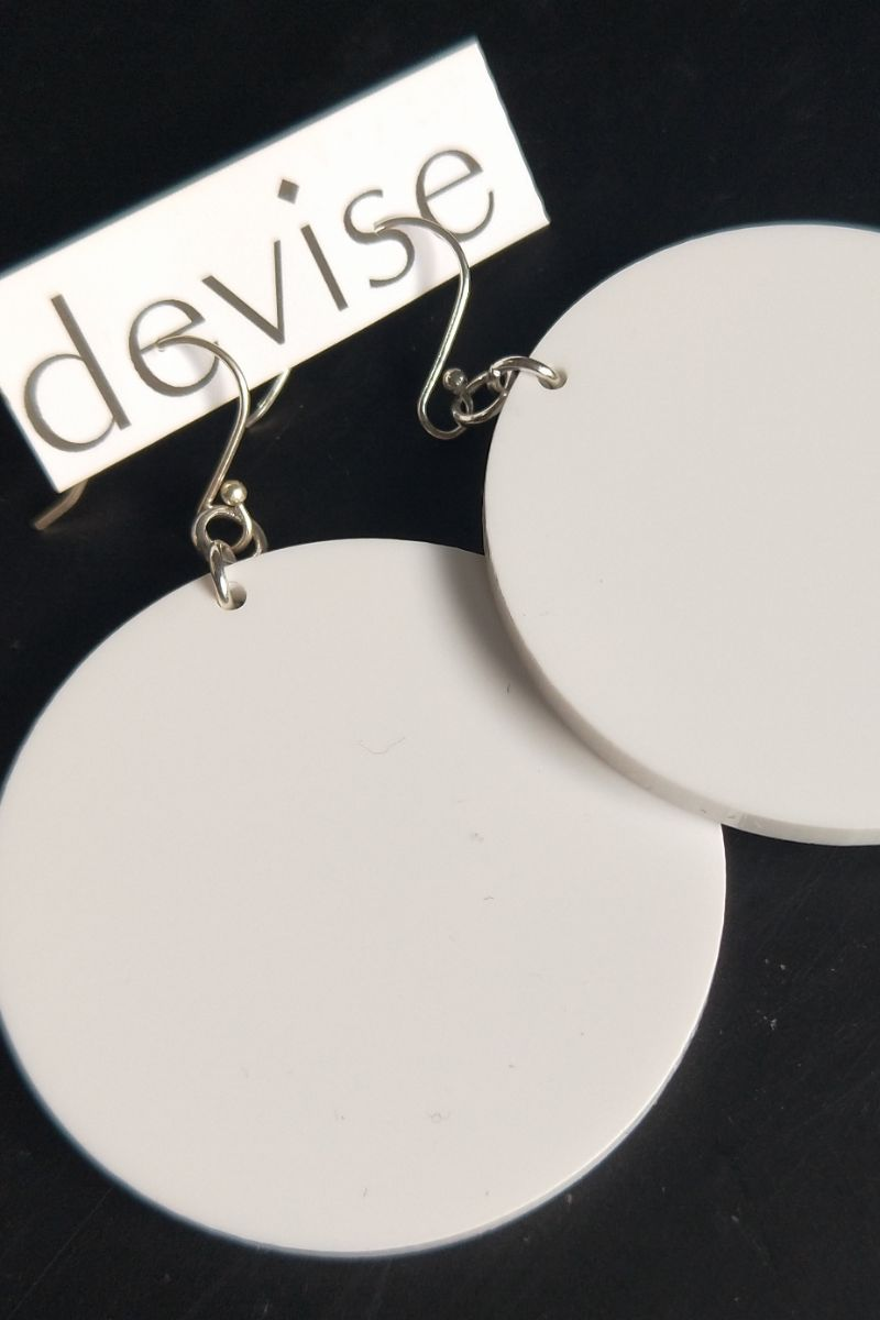 Devise Circle Earrings - White