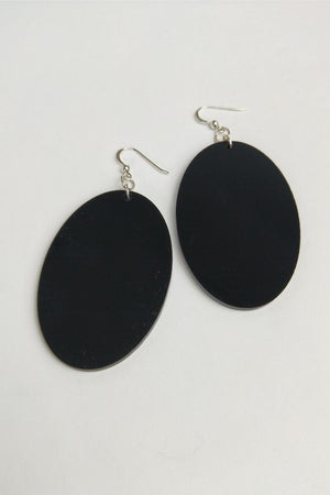 Devise Oval Earrings - Black