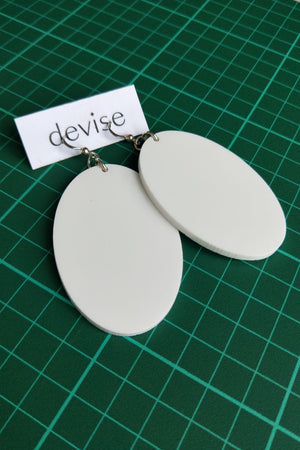 Devise Oval Earrings - White