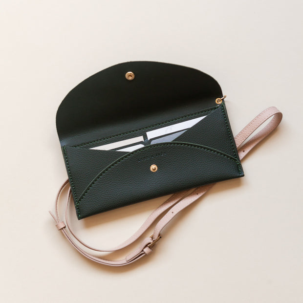 Hunter Envelope Crossbody Bag