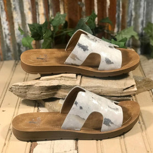 "Corkys ""BOGALUSA"" White Metallic Slide"