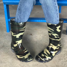 Load image into Gallery viewer, Corkys Riverwalk Camo Rain Boots...New!!