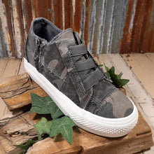 "Load image into Gallery viewer, Blowfish ""Mamba"" Grey Camouflage Canvas Colored Sneaker"