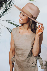 Wide Brim Willow Hat | Light Taupe