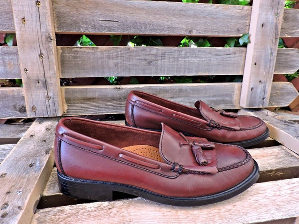 dd1382070da Womens Vintage Weejuns Bass loafers 9 M   leather penny loafers -  GravelStreetVintage