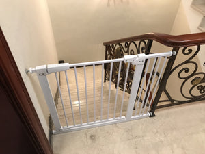 Auto Close High Quality Metal Retractable Pet Gate (30.7 Inches Tall)