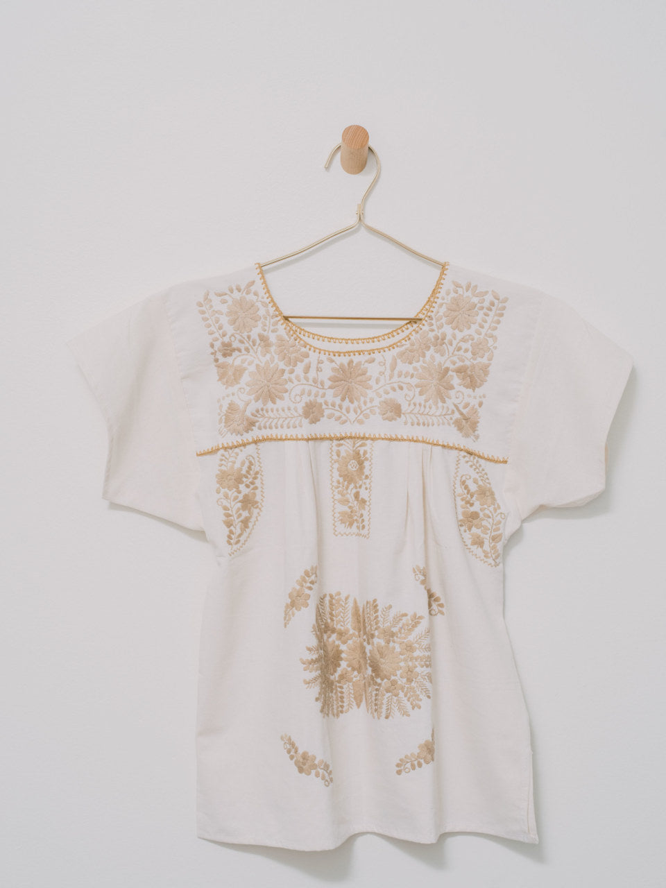 Crema Top (S/M) - Handmade, Embroidered Mexican Women Top - Chokolita