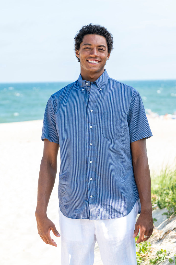 Cotton Poly 2 Tone Seersucker Short Sleeve Button Down Shirt in Two Tone Blue