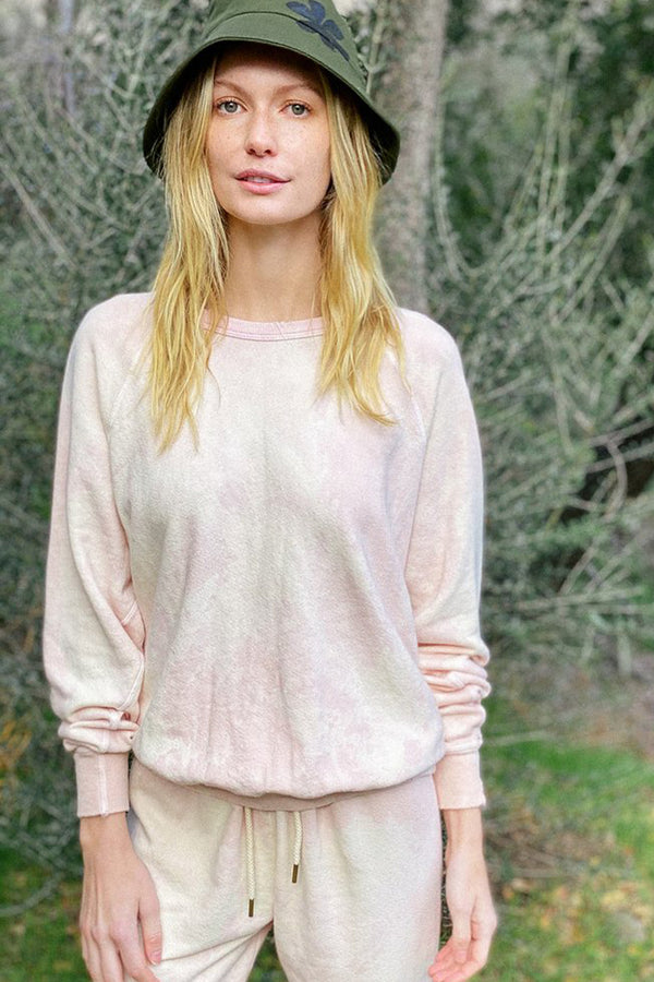 The College Sweatshirt in Whisper Pink Cloud Wash