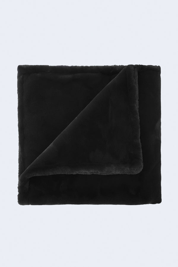 Brady Blanket in Noir