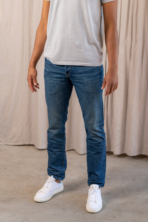 Men's Slim Fit Jean in Medium