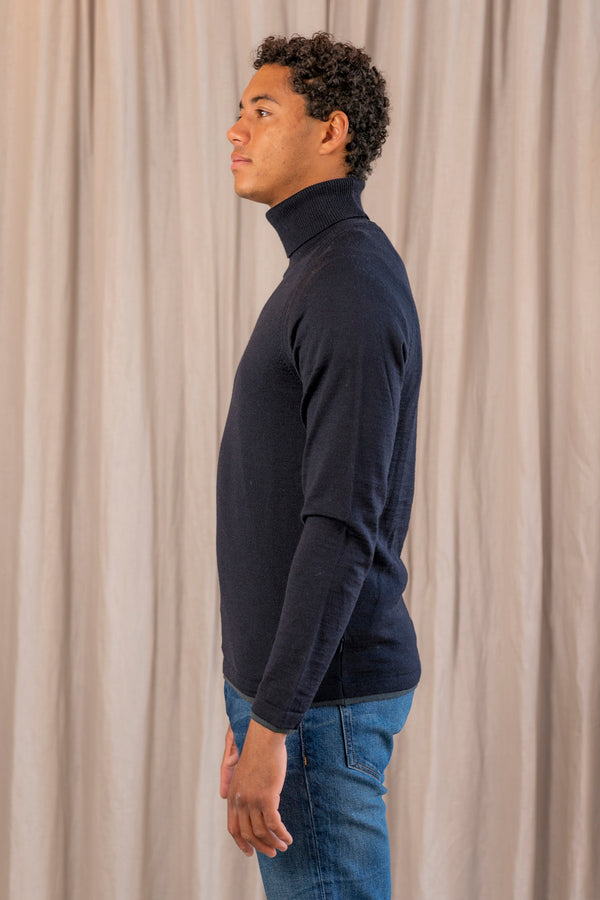 Merino Turtle Neck Sweater in Navy