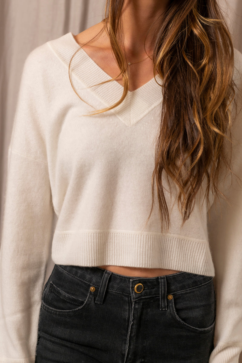 Cashmere V Neck Pullover Sweater in White