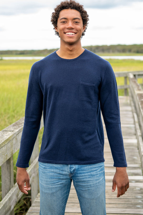 The Cashmere Pocket Crew in Navy