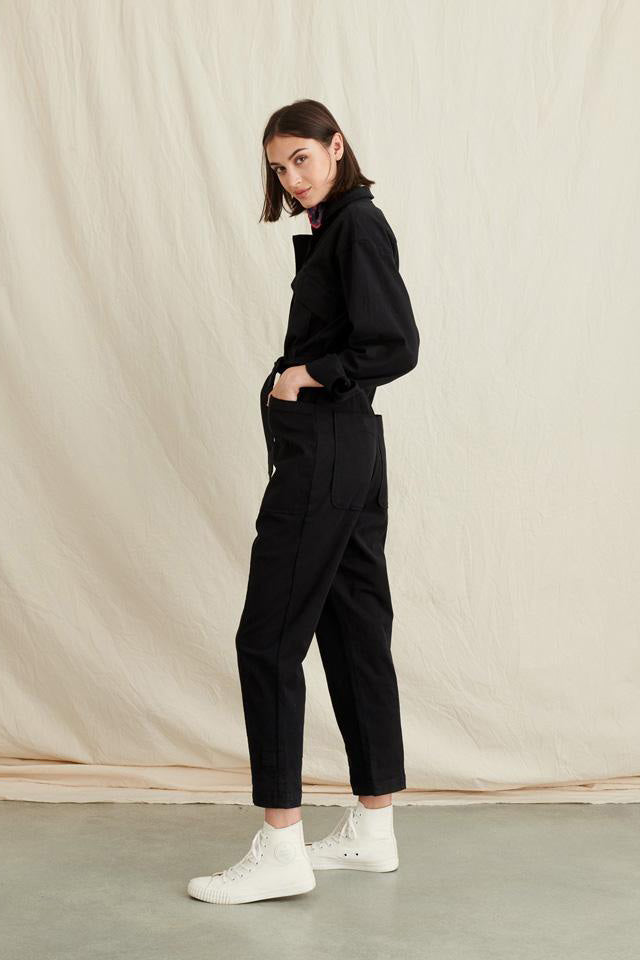 Women's Expedition Jumpsuit in Washed Twill in Black