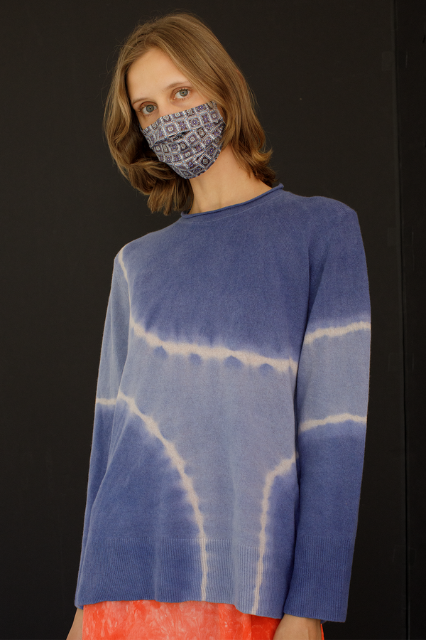 Recycled Cashmere Boyfriend Crew Sweater in Blue Tie Dye