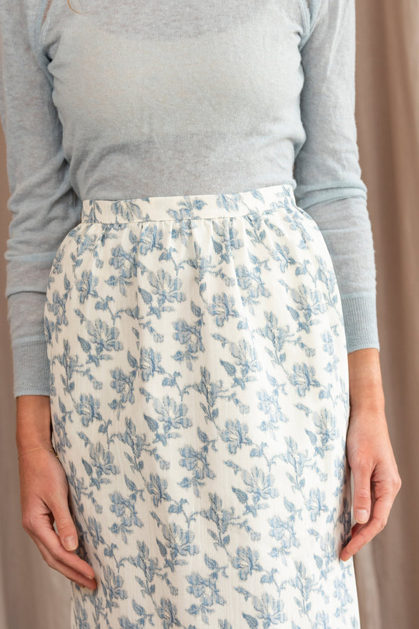 Quadratic Pencil Skirt in Natural