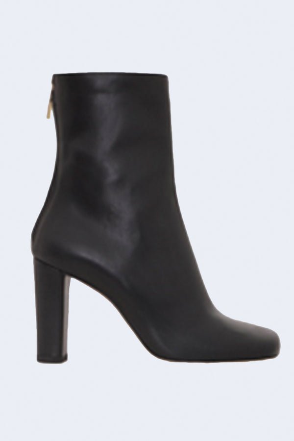 Square Toe Ankle Zip Boots in Nero