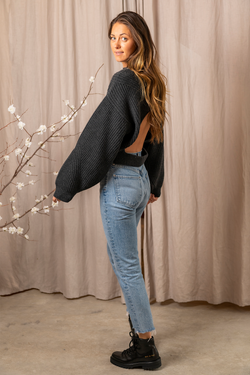 Merida Ribbed Cashmere Sweater in Charcoal