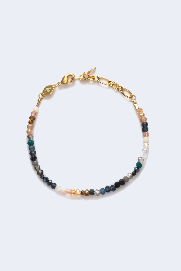 Cloudy Bay Moonstone Beach Bracelet in Gold