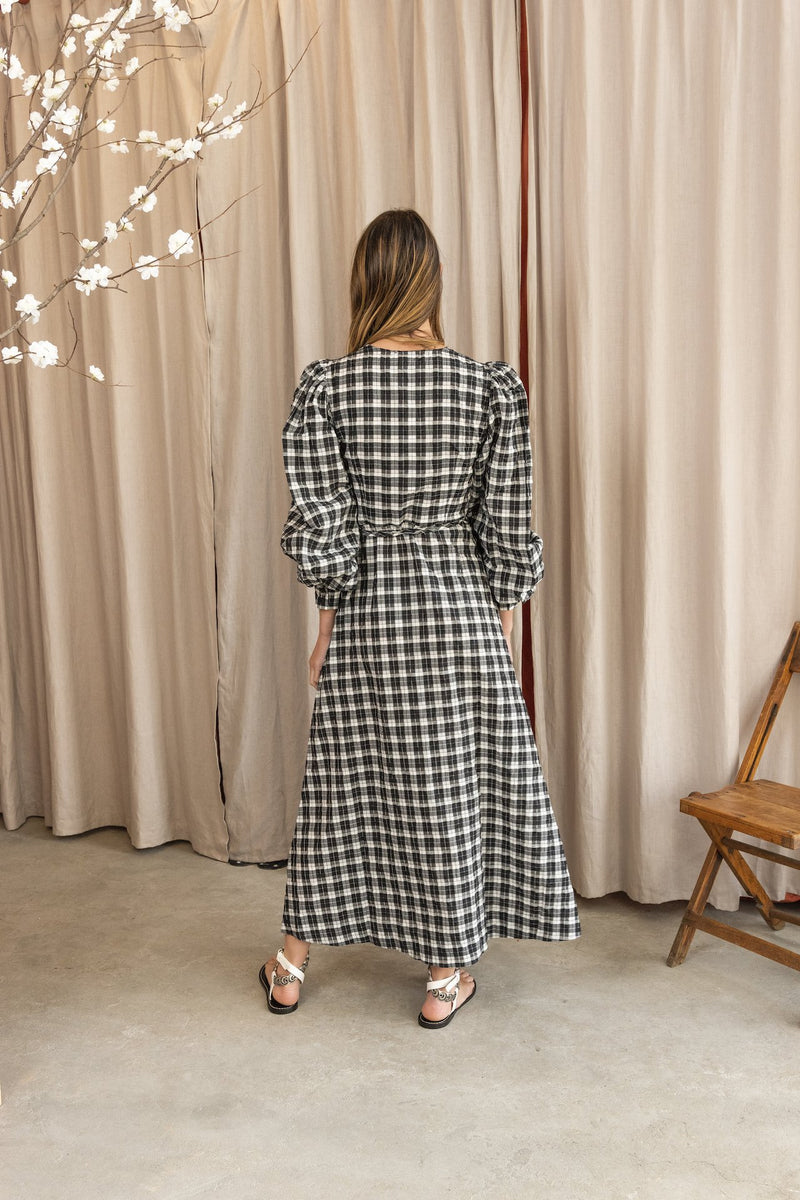 Seersucker Long Sleeve Check Dress in Black