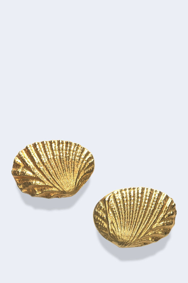 Shell Earrings in Gold