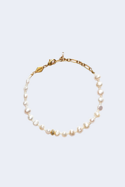 Cloudy Bay Stellar Pearly Bracelet in Gold