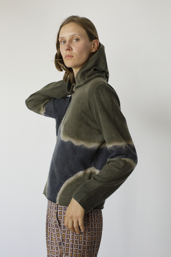 Recycled Cashmere Crop Hoodie in Moss Tie Dye