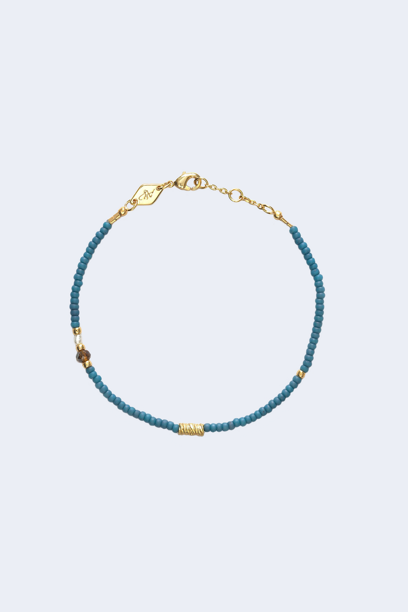 Cloudy Bay Wave Chaser Bracelet in Blue Fog
