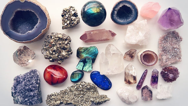 3 Reasons Why Healing Crystals Are Everywhere Right Now