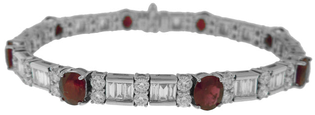 18KT WHITE GOLD OVAL RUBY, BAGUETTE AND ROUND DIAMOND BRACELET