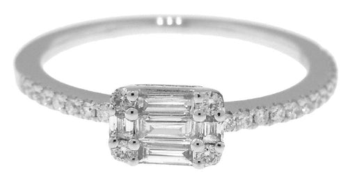14KT WHITE GOLD ROUND AND BAGUETTE DIAMOND RING.