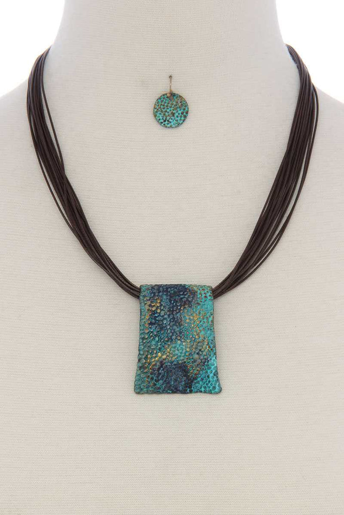 Patina textured rectangular shape pendant necklace - StyleLure