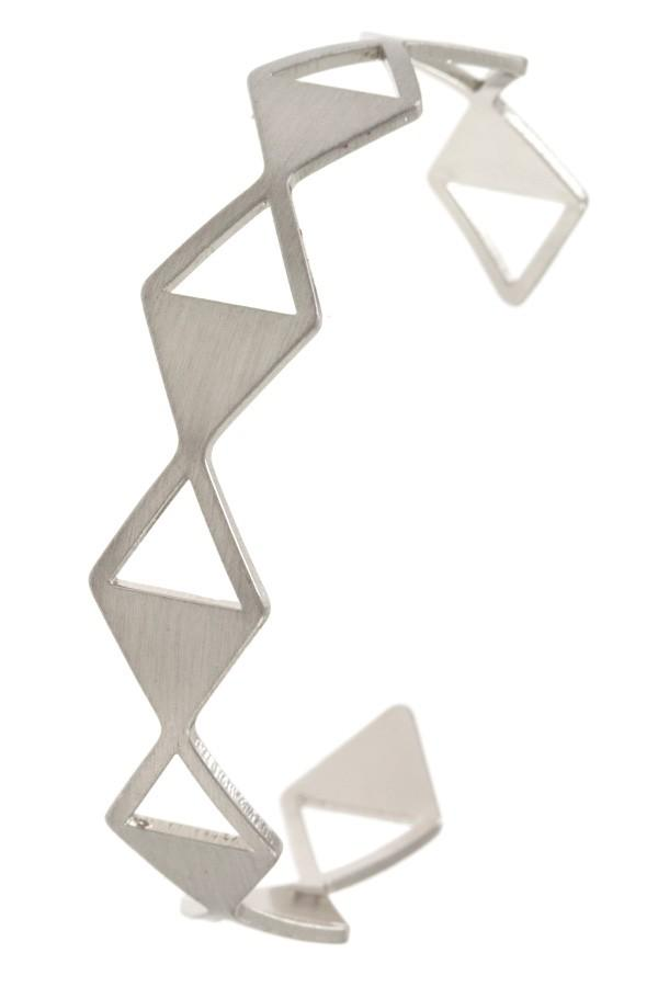Diamond shape link cuff bracelet - StyleLure