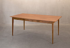 VOLO dining table