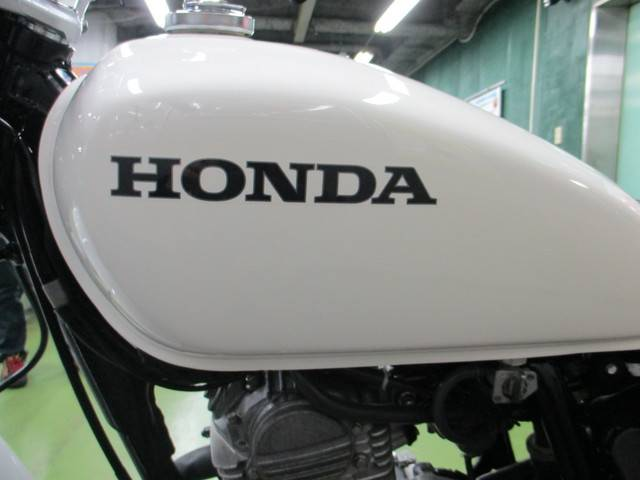 Honda motorcycle gas tank decal system