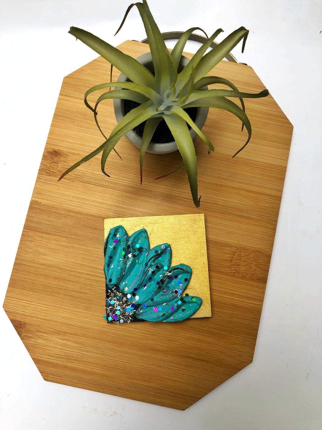 Gold background and blue floral magnet