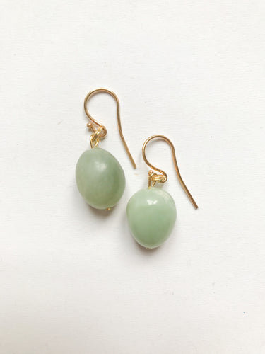 Short Oval Chrysopras Earrings in light green