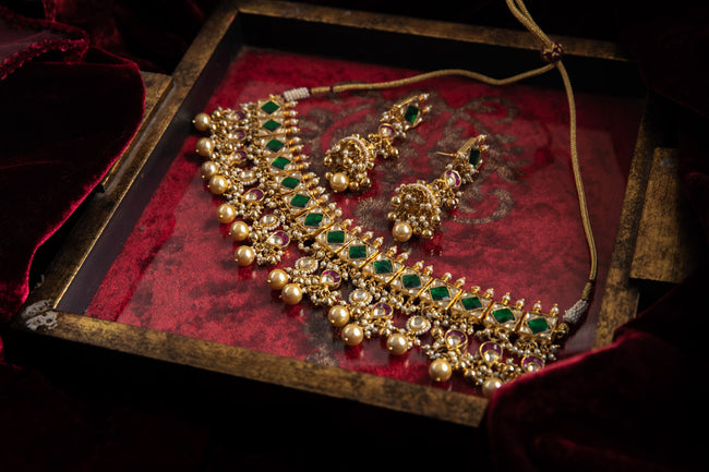 Jadtar Green Necklace Set