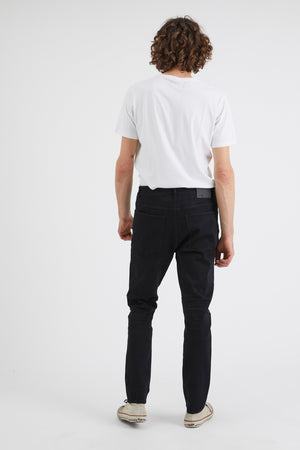 NEUW Mens Ray Tapered in Northern Black