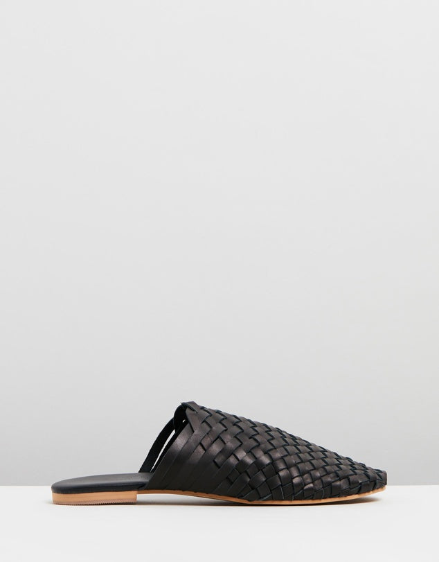 Walnut Melbourne Vienna Leather Mule Sandal in Black